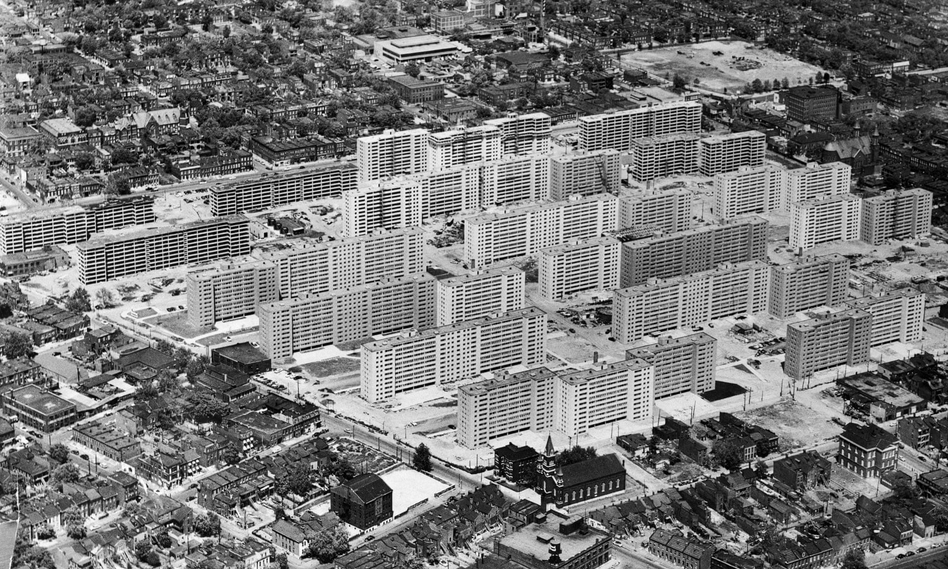 Pruitt building before it was demolished